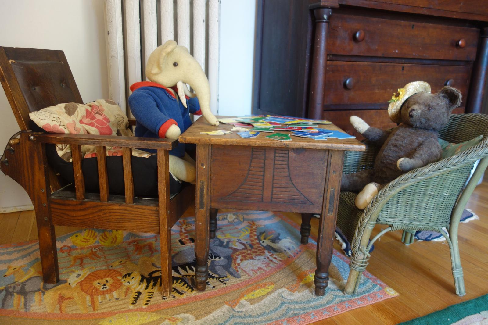 Elephant and Bear at work on a puzzle